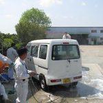 普段お世話になっている社有車の洗車