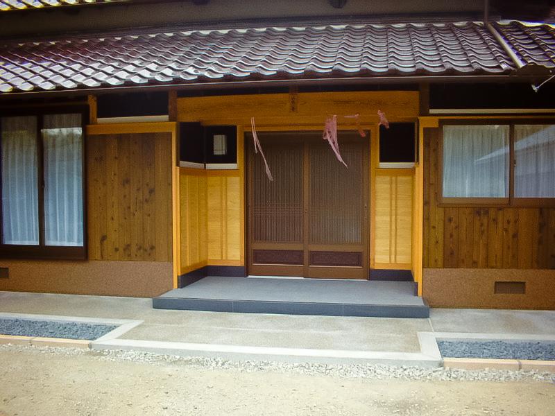 y-sama-entrance-aft